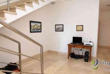 Vendo Amplio Penthouse en el Mirador Sur